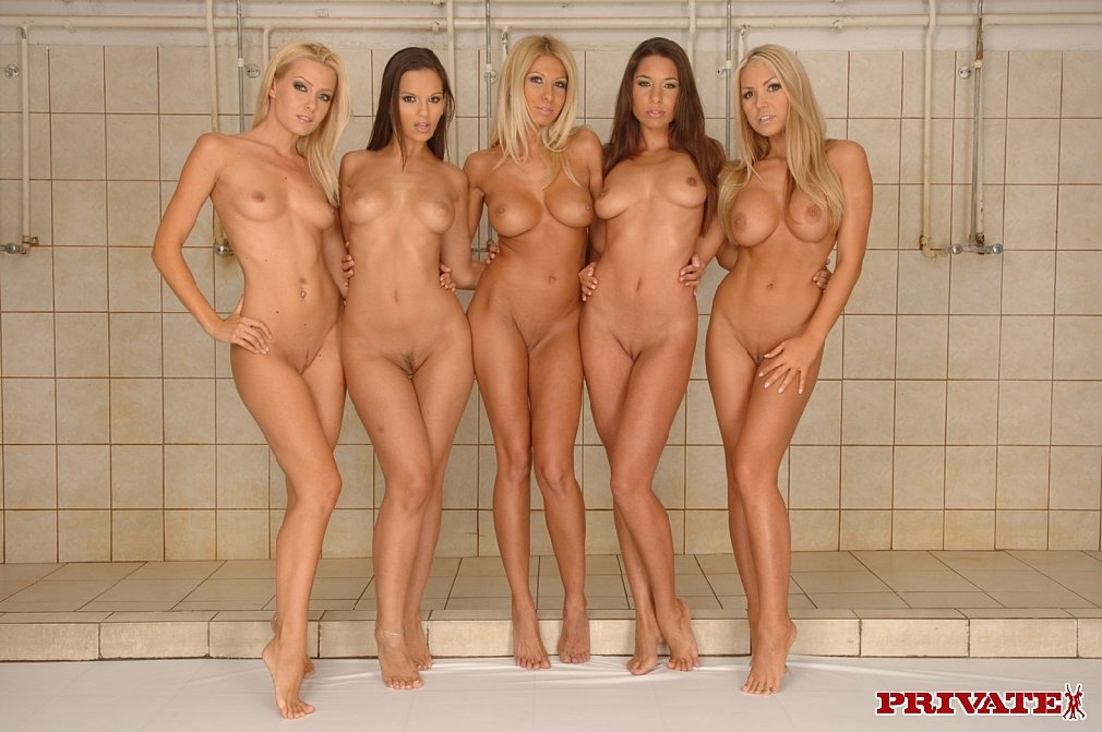 фото голые девушки вместе