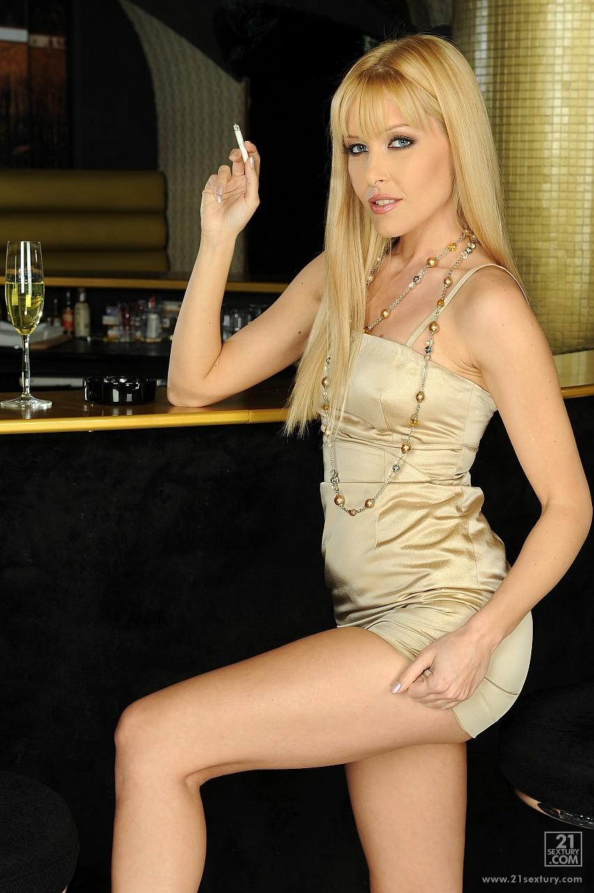 Sophie Sweet Smoking Fetish