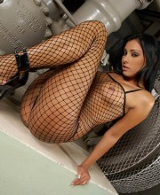 anetta-keys-fishnet-dress-007