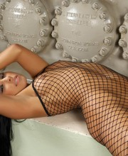 anetta-keys-fishnet-dress-016