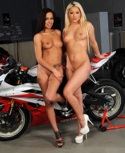 babes-and-bikes_12
