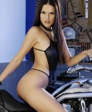 bikerbabe-zuzana-001