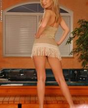 blonde-clubsandy-allison-002