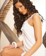 evelyn-lory-in-white-001