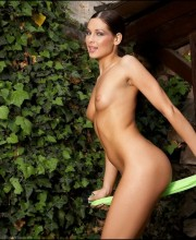 evelyn-lory-outdoor-nudity-pics-012