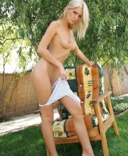 hot-outdoor-nudity-with-bambi-003