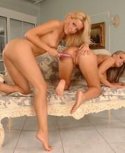 sophie-moone-lesbian-teen-babes-010