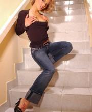 mia-stone-stairs-005