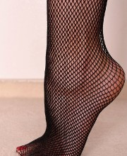 nelly-sullivan-fishnetstockings-01
