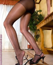 sandra-shine-in-pantyhose-007