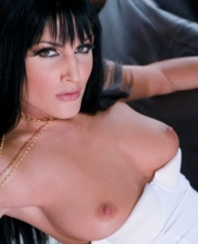 sarah-twain-in-white-stockings-014