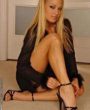 sexy-blonde-adriana-malkova-003
