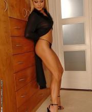 sexy-blonde-adriana-malkova-011