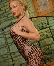 silvia-saint-fishnet-009