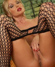 silvia-saint-fishnet-019