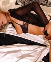 stunning-blonde-007