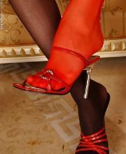 zafira-lesbian-feet-lovers-003