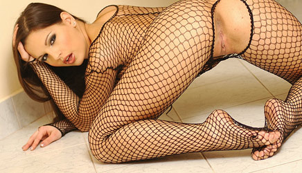 eve-angel-fishnet2.jpg