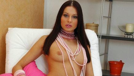 evelyn-lory-pearls2.jpg